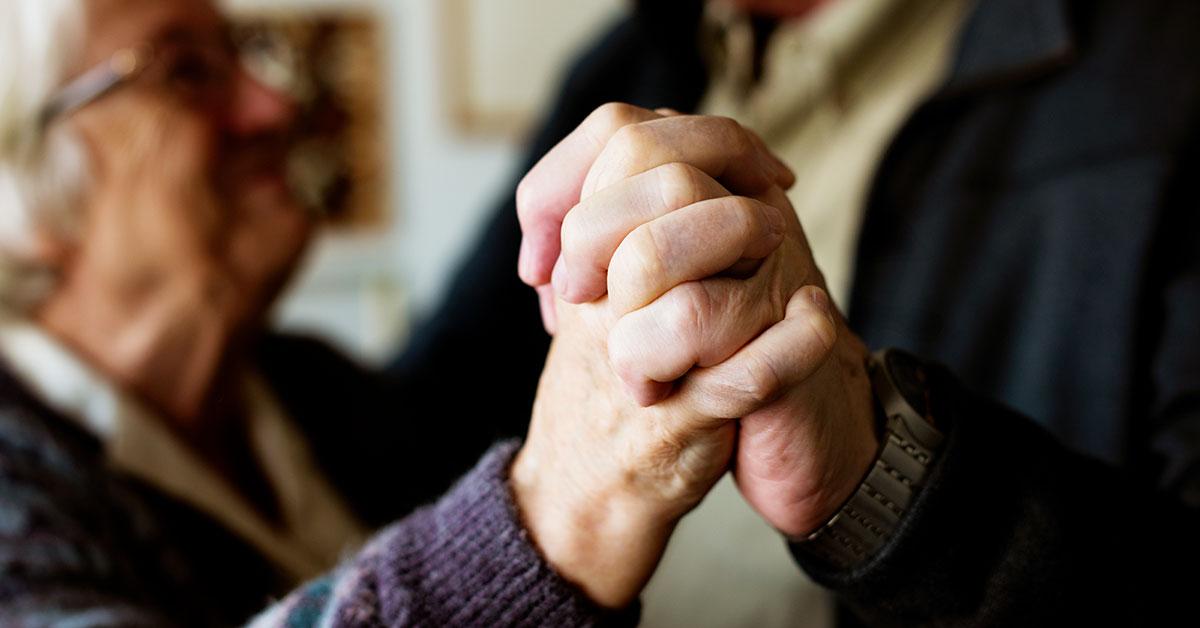 Simpósio prioriza cuidados mentais e paliativos no tratamento do paciente idoso
