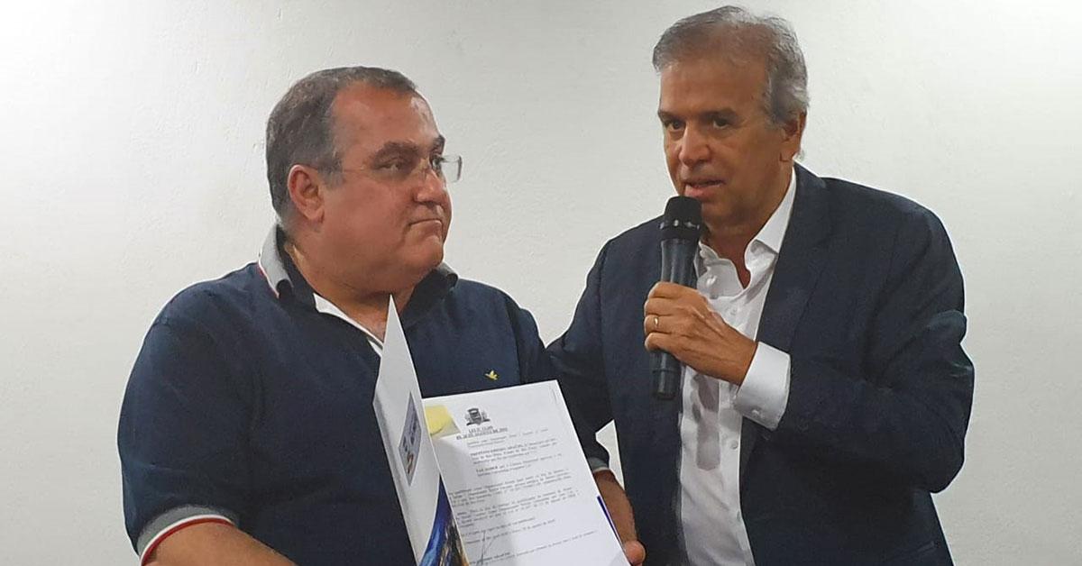 Prefeito Edinho Araújo assina convênio entre munícipio e Organização Social Instituto FACERES